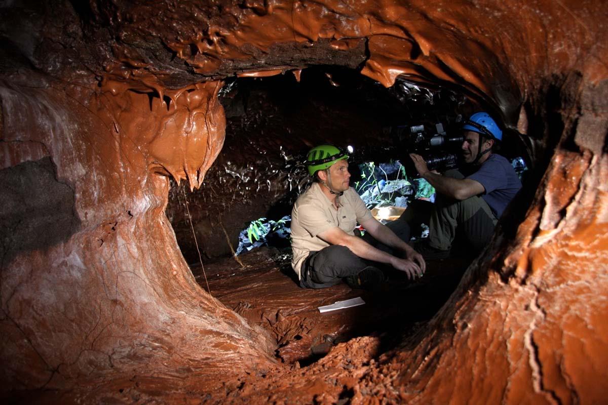 location saisonniere pour aller voir le tunnel de lave 2004