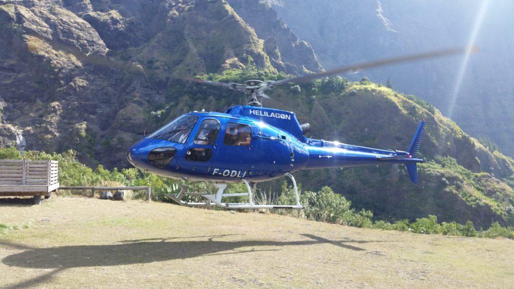 helicoptère cayenne hélirando mafate